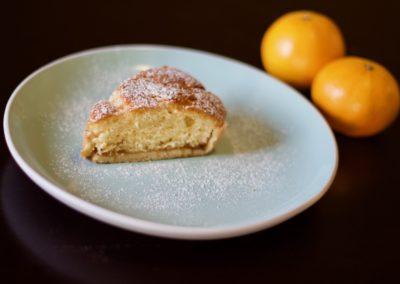 Fruited sponge tart